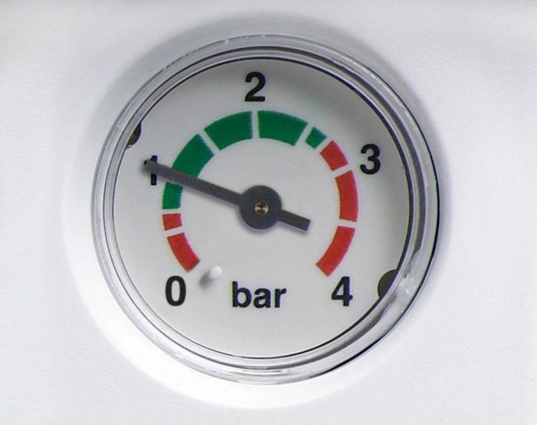 controllare la pressione della caldaia