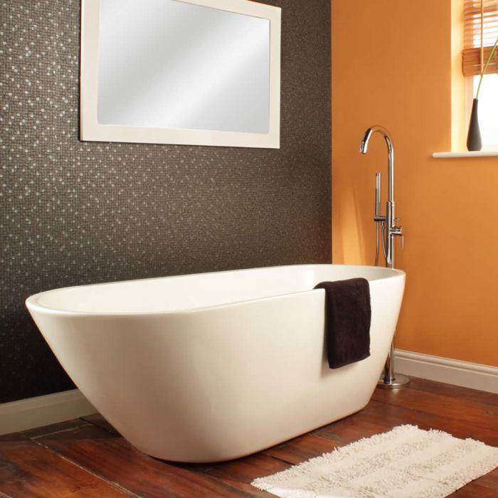 Come pulire la vasca da bagno: questa è una vasca in acrilico freestanding ovale
